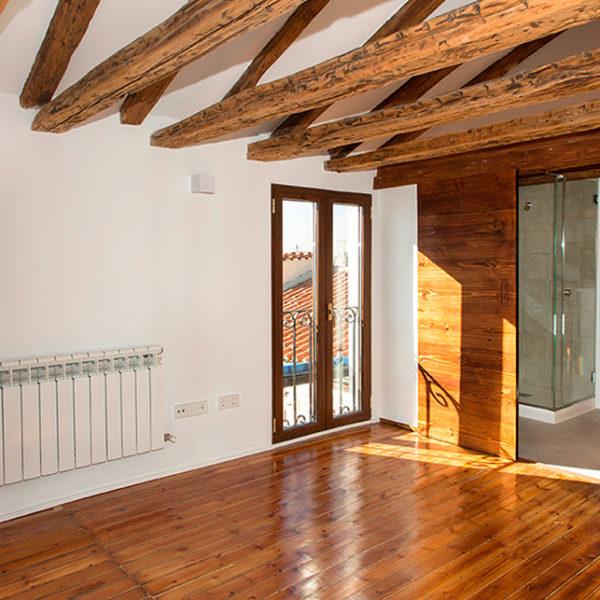 Reforma integral de vivienda buhardilla con terraza