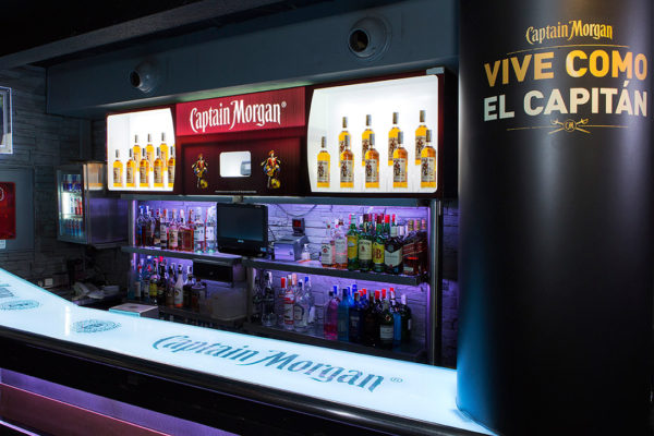 Mueble expositor de botellas
