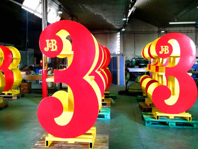 Expositor espacios comerciales | Empresa J&B