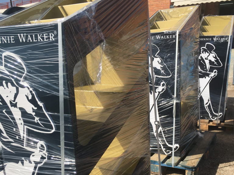 Expositor de botellas | Empresa Johnnie Walker