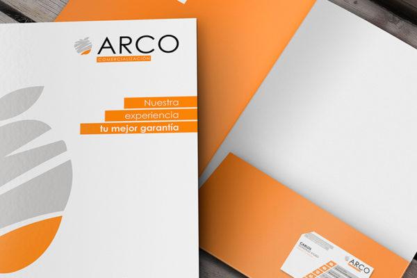 Diseño carpeta corporativa promocional de servicios inmobiliarios