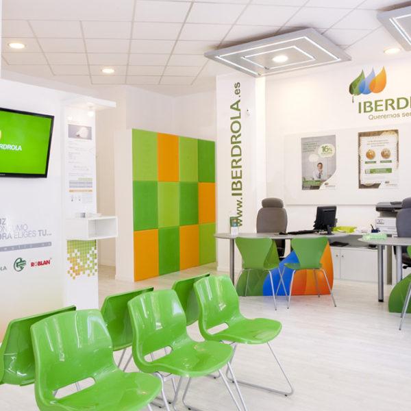Proyecto Reforma local comercial de servicios energéticos con diseño interior corporativo
